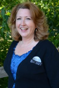 Experienced Dental Administrator in Minnetonka, MN - Annette - Blue Ridge Dental Center